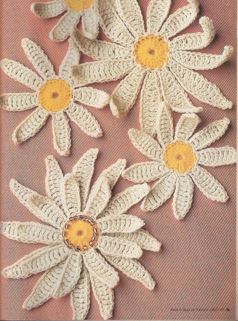 vyazanye-cvety-dlya-ukrasheniya-izdelij